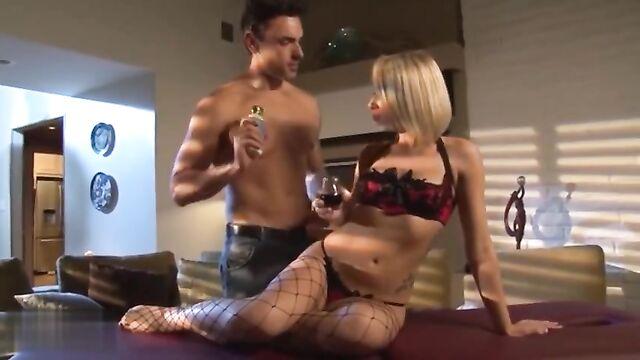 Похищен для удовольствия (2014) порно фильм с переводом!