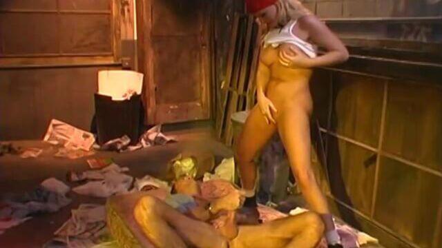 Эта девка (Эта девушка) / The It Girl (2003) порнофильм с русским переводом!