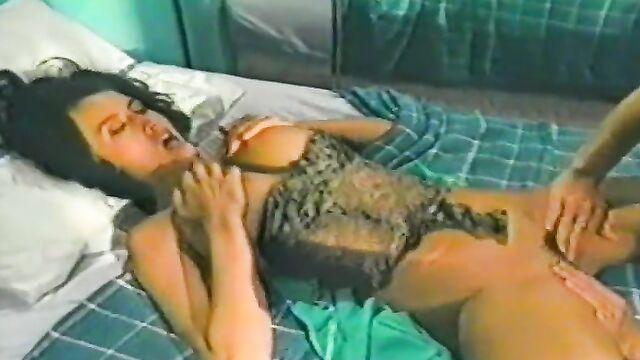 Расколотая вдребезги / Shattered (1991) порно фильм с русским переводом