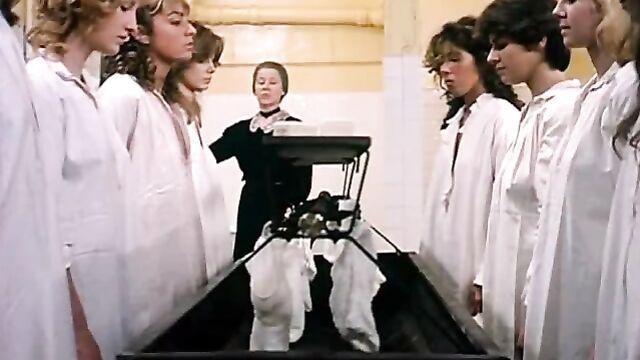 Английское воспитание / Éducation anglaise (1983) эротический фильм