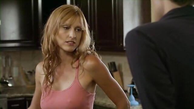 Мальчишник: Первый опыт / Milf (2010) эротическая комедия