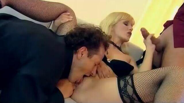Основной сексуальный инстинкт (порно фильм пародия с русским переводом)
