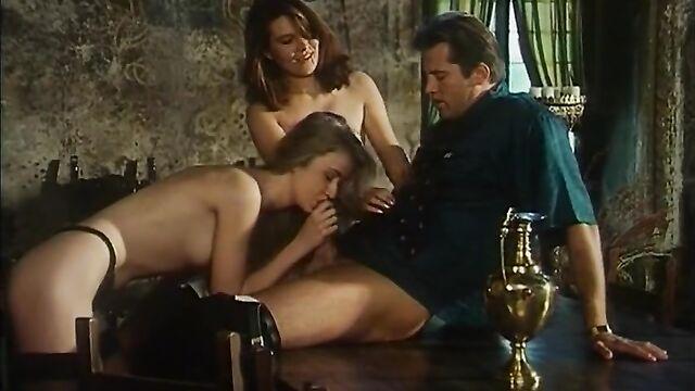 Секс охота за сокровищами (порно фильм с русским переводом)