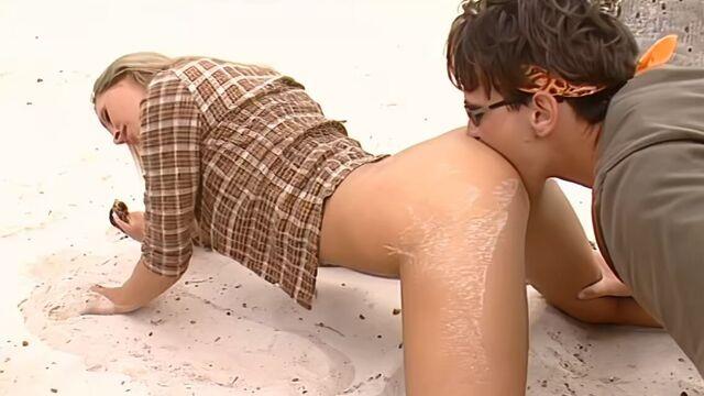 Последний секс-герой 1 / Private Tropical 1: Sex Survivors (порно фильм с переводом)