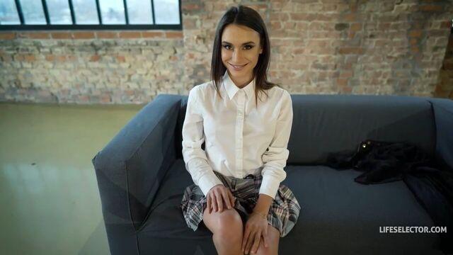 Анальный секс с молодой русской студенткой Lana Roy