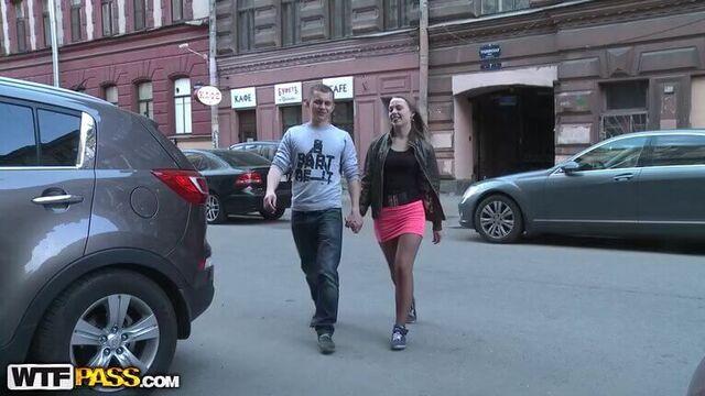 Горячие русские студенты трахнулись сразу же после первого знакомства