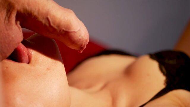 Частное домашнее порно: сборник минетов со спермой крупным планом