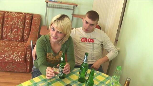 Русские студенты отрываются в общаге, порно видео