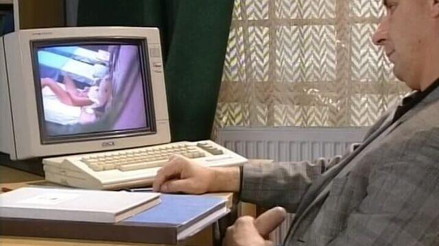 Шухер в интернате (немецкий порнофильм с русским переводом)