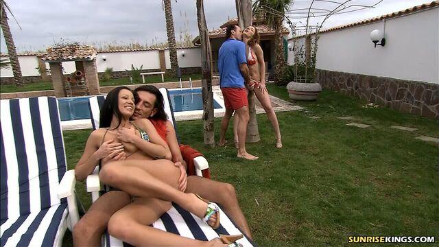 Шлюхи Карибов (порно фильмы с русским переводом)