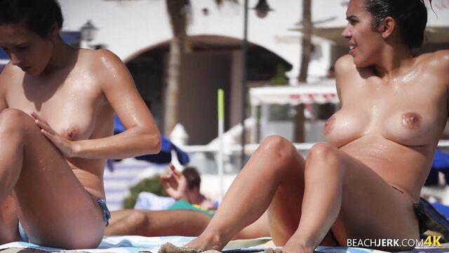 Порно видео 1080p: скрытая камера на нудистском пляже