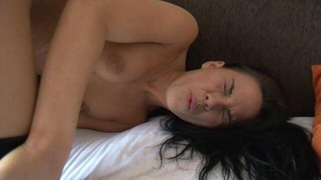 Первый анальный опыт - порно фильм об анальном сексе