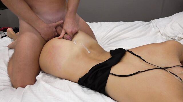 Молодая девушка трахнута раком, домашнее порно