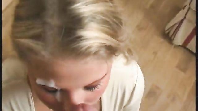 Лицо блондинки в сперме
