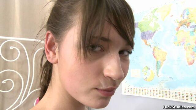 Русское порно в анал с красивой молодой соской Бертой