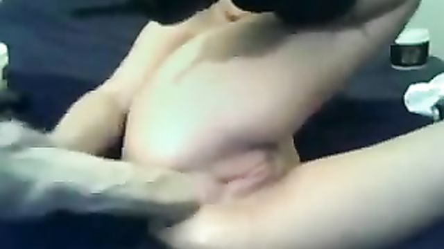 Горячее любительское анальное порно с большими игрушками