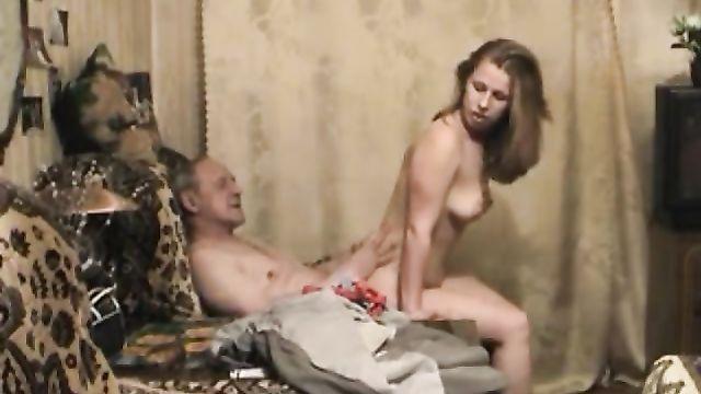 Частные порно ролики от русской ненасытной жены