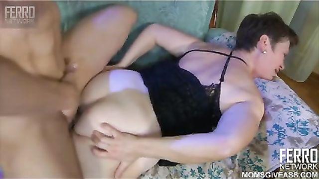 Русское частное порно в анал с толстушкой