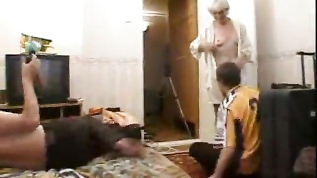 Как снимается порно (За кулисами, жизнь за кадром) - фильм 2