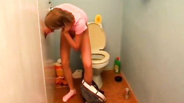 Секс в женском туалете