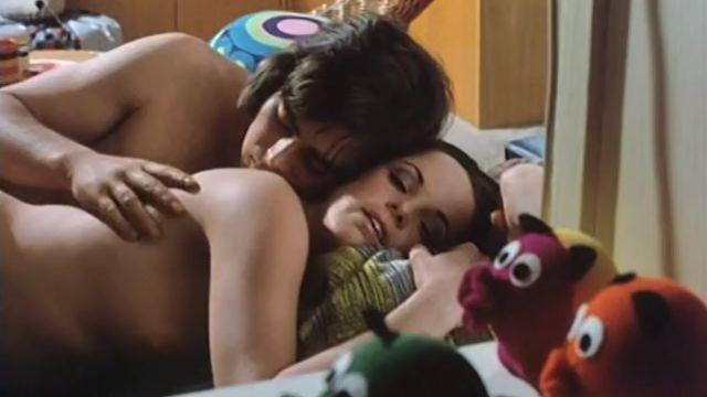 Доклад о школьницах 7: Все должно быть по любви (эротический фильм с переводом)