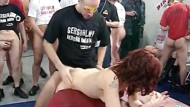 Порно рекорды: чемпионат мира по сексу в Варшаве
