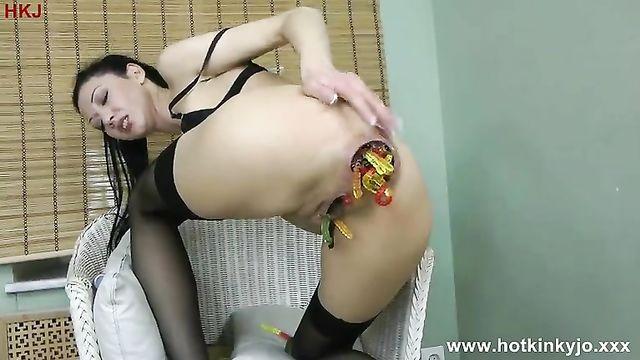 Жесткая мастурбация анала бутылкой