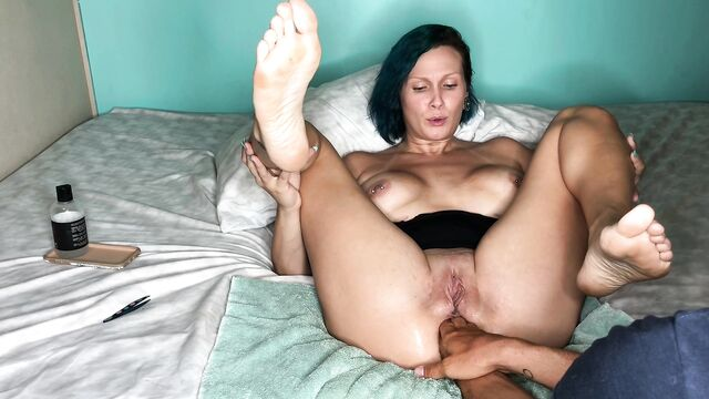 Грубое домашнее анальное фистинг порно с любящей женой