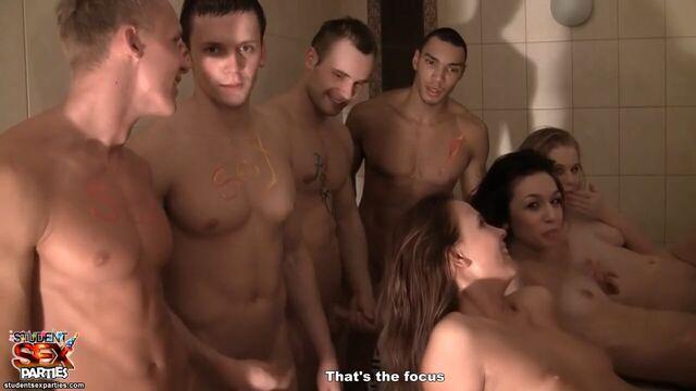 Русское порно в бане: Студенты разыграли секс оргию