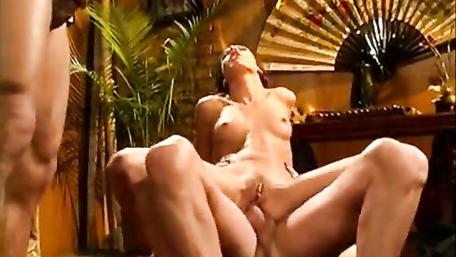 Романтическое групповое порно свидание