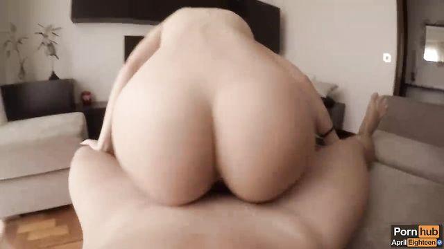Белый толстый длинный член в анале жены