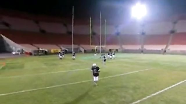 Секс на стадионе: Куча голодных футболистов на 1 бабу