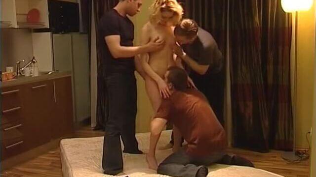 Полный фильм для взрослых Дом 4. Сексуальная жара онлайн (секс пародия)