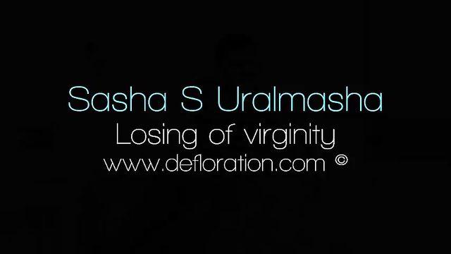 Дефлорация: Срыв целки девственницы молодым парнем