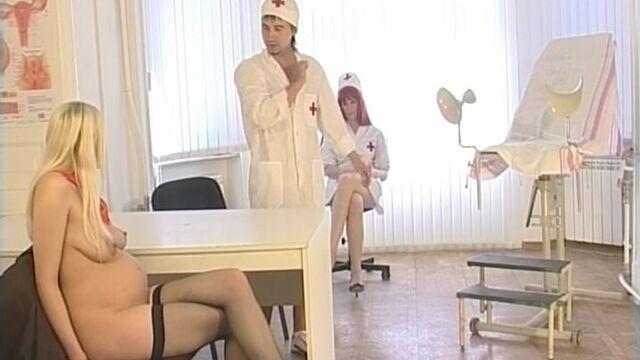 Беременная школьница - русский порно фильм Нестора Петровича