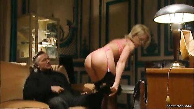 Точка Q или Точка анального рая - порно фильм с переводом