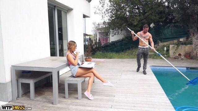 Студентка МГИМО Ангелина Дорошенкова в групповом ганг банге