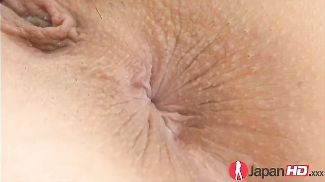 Мастурбация половых органов азиатке крупным планом
