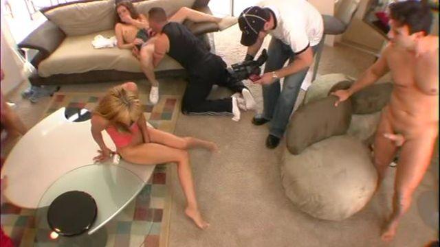 Самый мощный сквиртинг оргазм девушки попал на камеру!