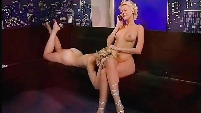 Порно фильмы: Совращение 1 - По ту сторону подиума
