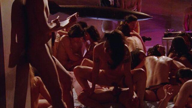 Клуб Шортбас   Shortbus — эротическая комедия с переводом