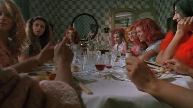 Тинто Брасс: Паприка (1990) - порно фильмы с переводом