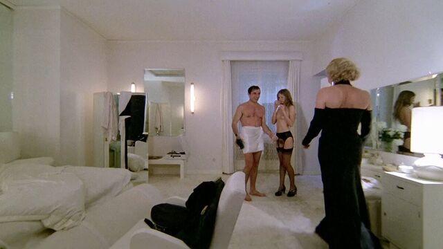 Тинто Брасс: Салон Китти — классика эротического кино