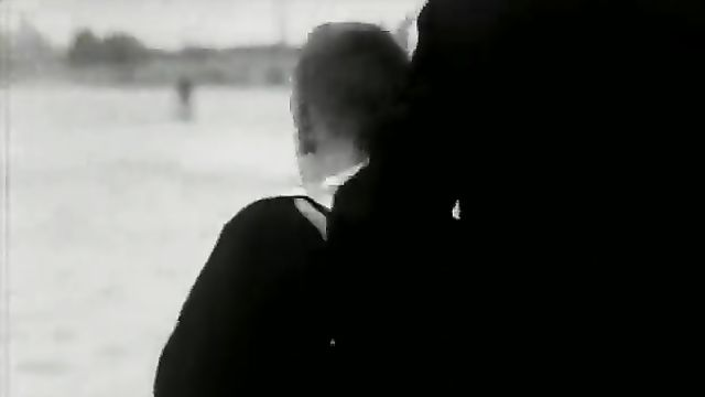 Тинто Брасс: Кто работает, тот потерян (На вершине мира) 1963