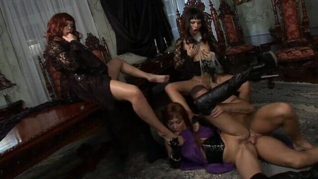 Дракула: Девушки Проголодались | Draculya: The Girls Are Hungry