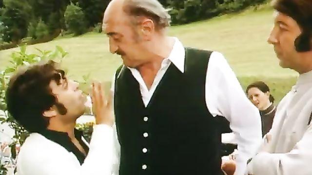 А ну-ка, девочка, разденься! (1973) Эротическая комедия для взрослых