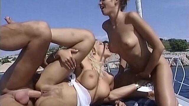 Ариелла - морская девственница - порнофильм с русским переводом