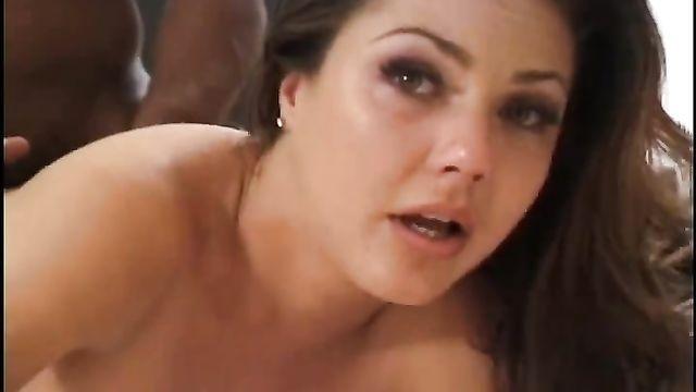 Жесткий болезненный анальный секс с большими членами до слез