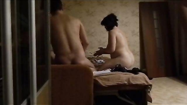 Скрытая камера: Русский групповой секс с двумя проститутками