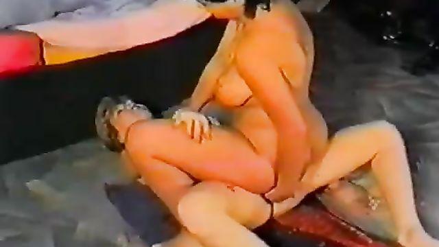 Групповая секс оргия озабоченных извращенцев